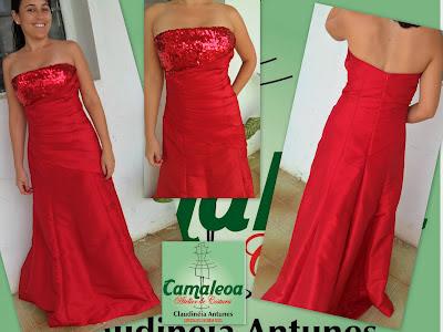 Vestido longo vermelho de tafetá com paetês