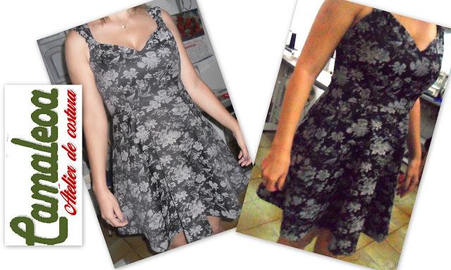 Vestido curto de sarja estampada