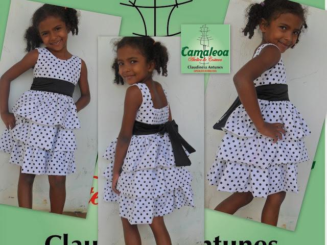 Vestido infantil de tricoline de bolinha