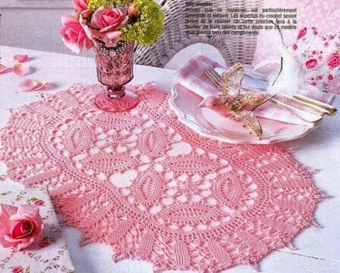 Toalha de Mesa Crochet Rosa / Modelo 002
