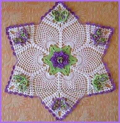 Toalhinha em Crochet com Abacaxi e Borboletas