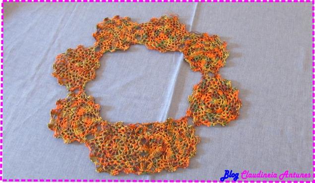 blusa croche-selena gomez-decote