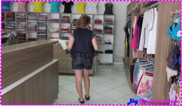 look-short-jeans-blusa-colete-suede-4